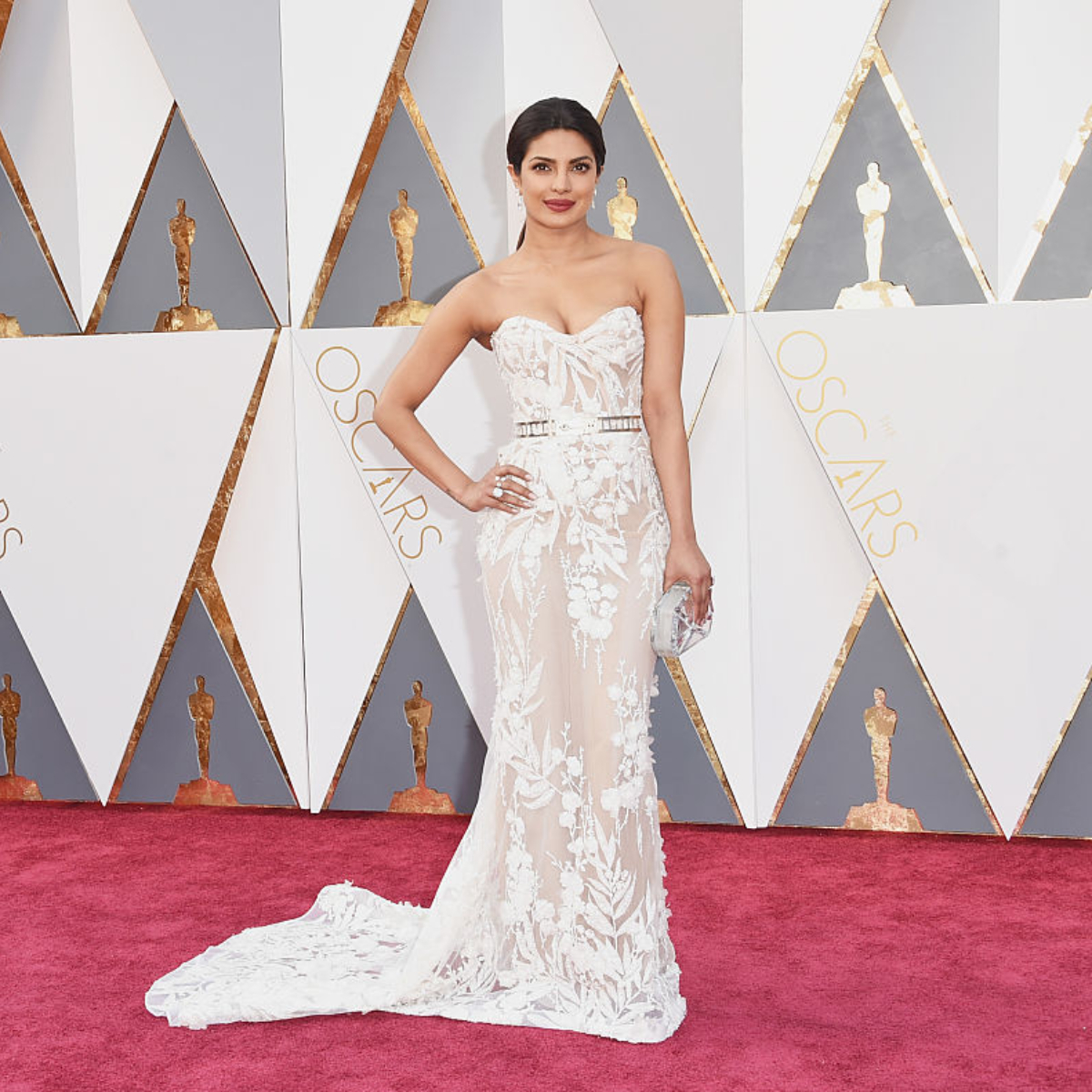 Best Dresses Oscars 2021 Priyanka Chopra Jonas for Oscars 2021? PeeCee predicted to bag