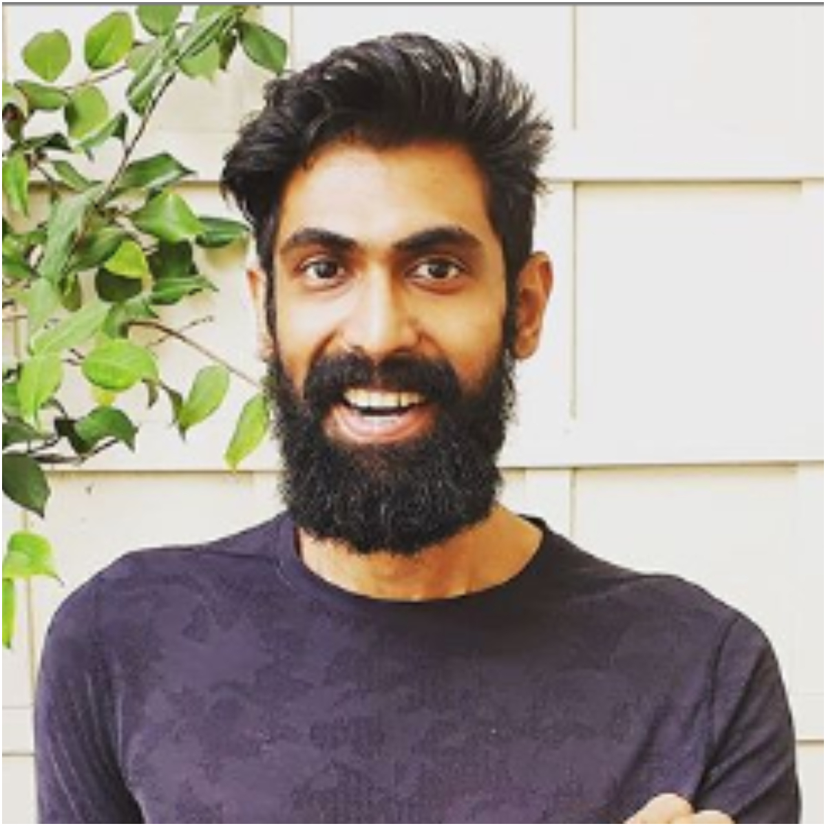 Rana Daggubati's latest picture worries fans and the star gets flooded with questions about his health