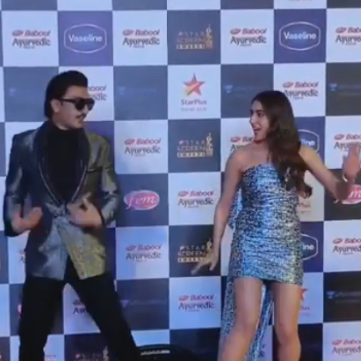 VIDEO: Sara Ali Khan CHALLENGES Ranveer Singh to recreate Aankh Mare's dance moves & the Simmba star fails