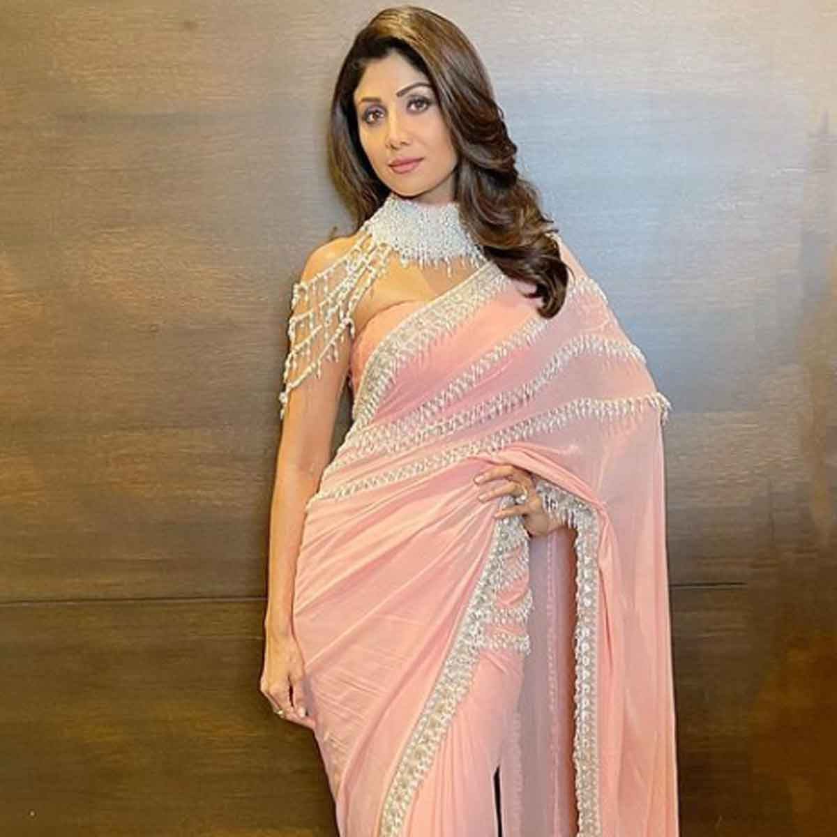 When Shilpa Shetty looked no less than a royal as she stunned in a pastel pink saree