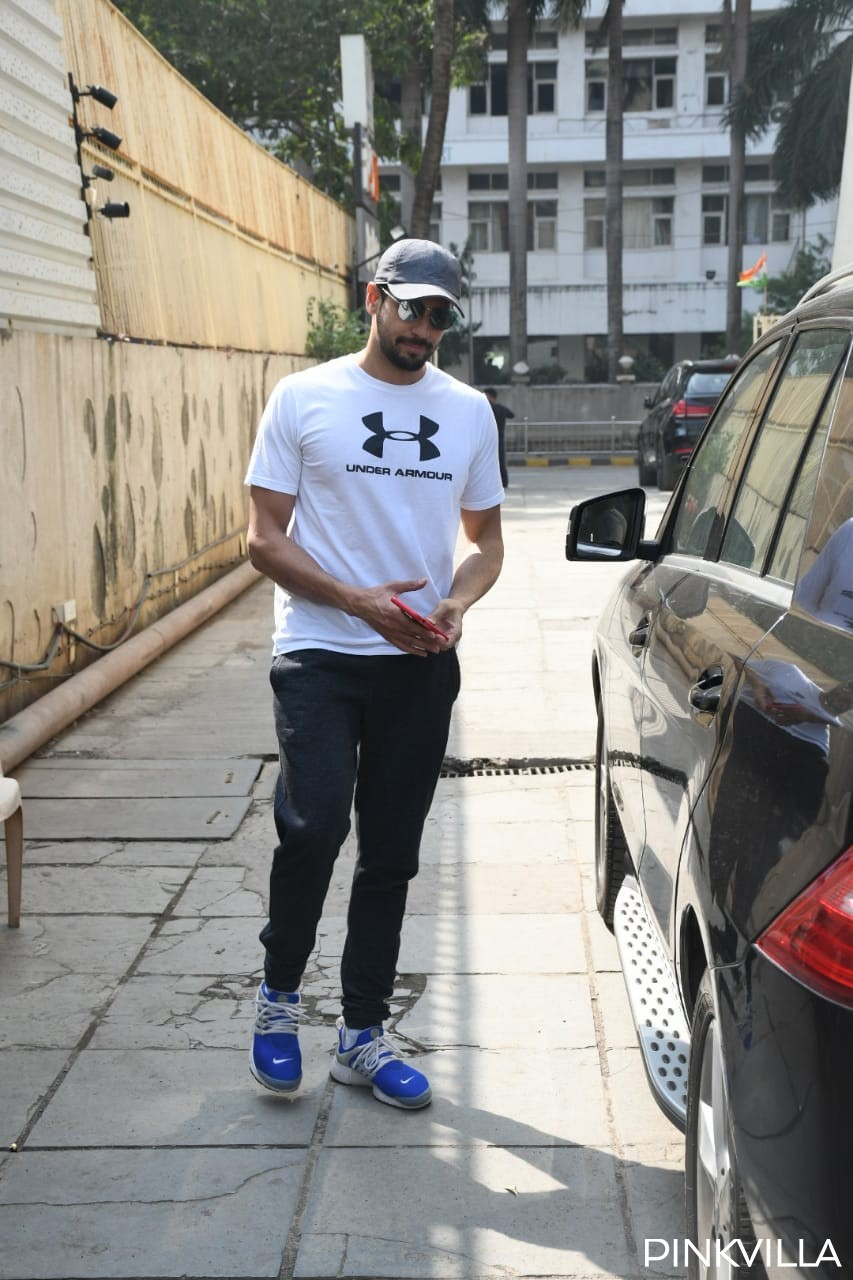 PHOTOS: Sidharth Malhotra is all pumped up as he hits the gym, nails his casual look