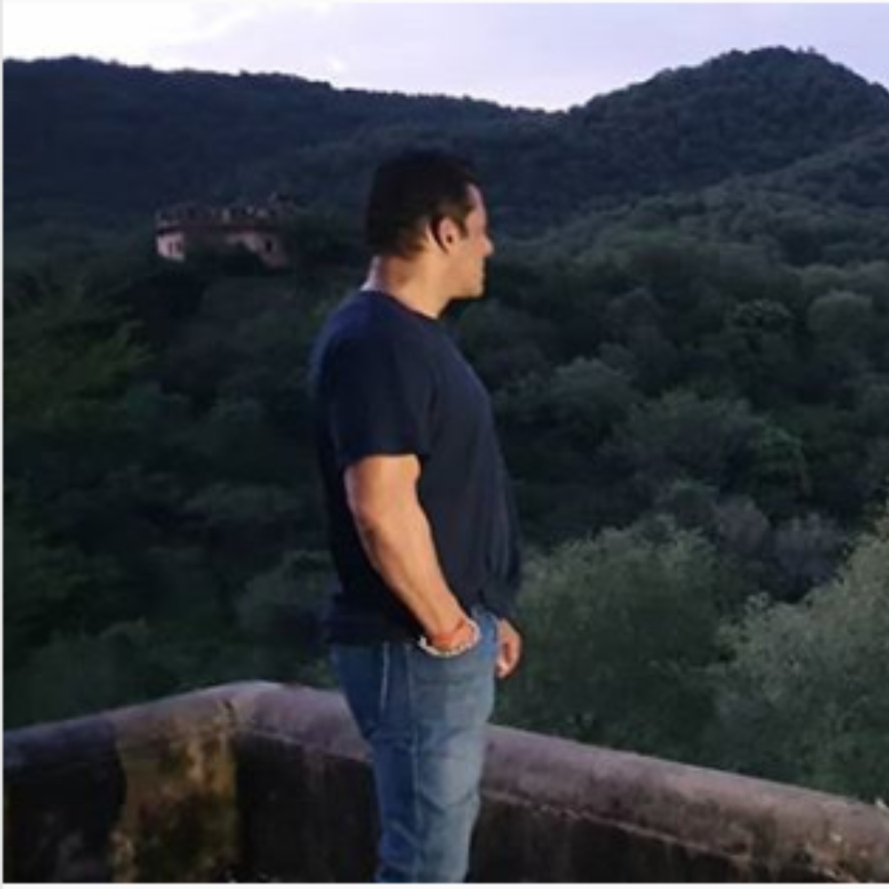 Salman Khan is lost in the beauty of nature in this PIC during the shooting of Dabangg 3; check it out