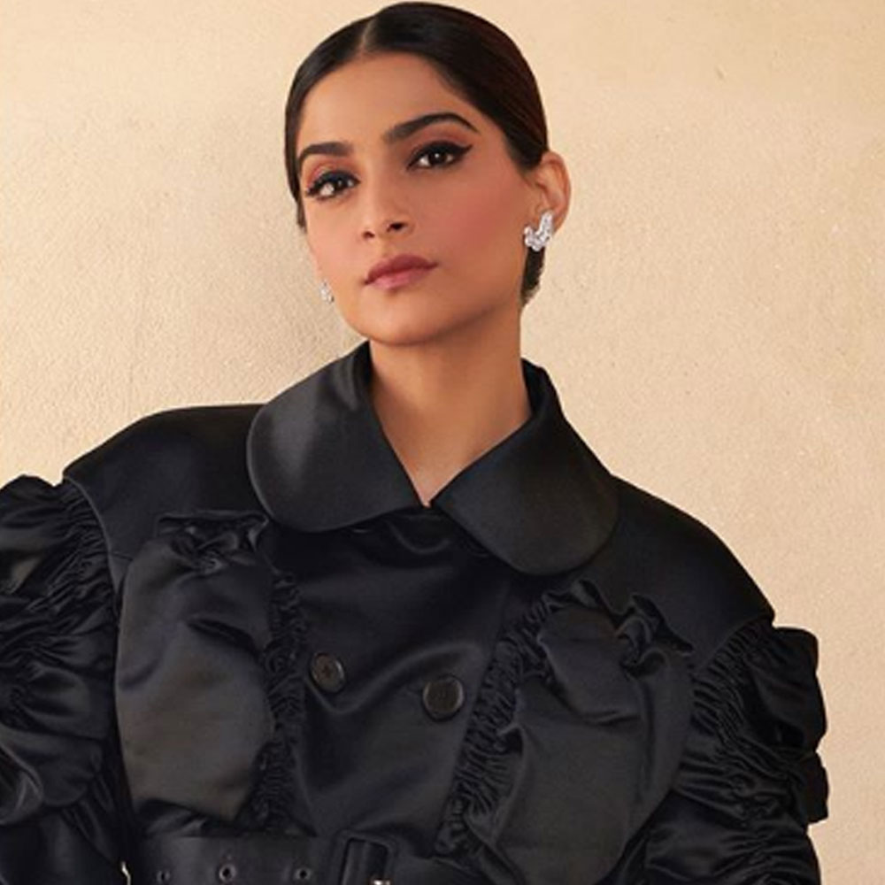 Sonam Kapoor to play lead in Bollywood remake of Korean movie Blind? Find Out