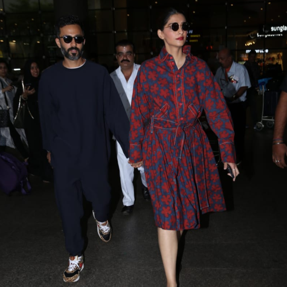 Sonam Kapoor and Anand Ahuja give us major couple goals as they get papped at the airport in style; See Pics
