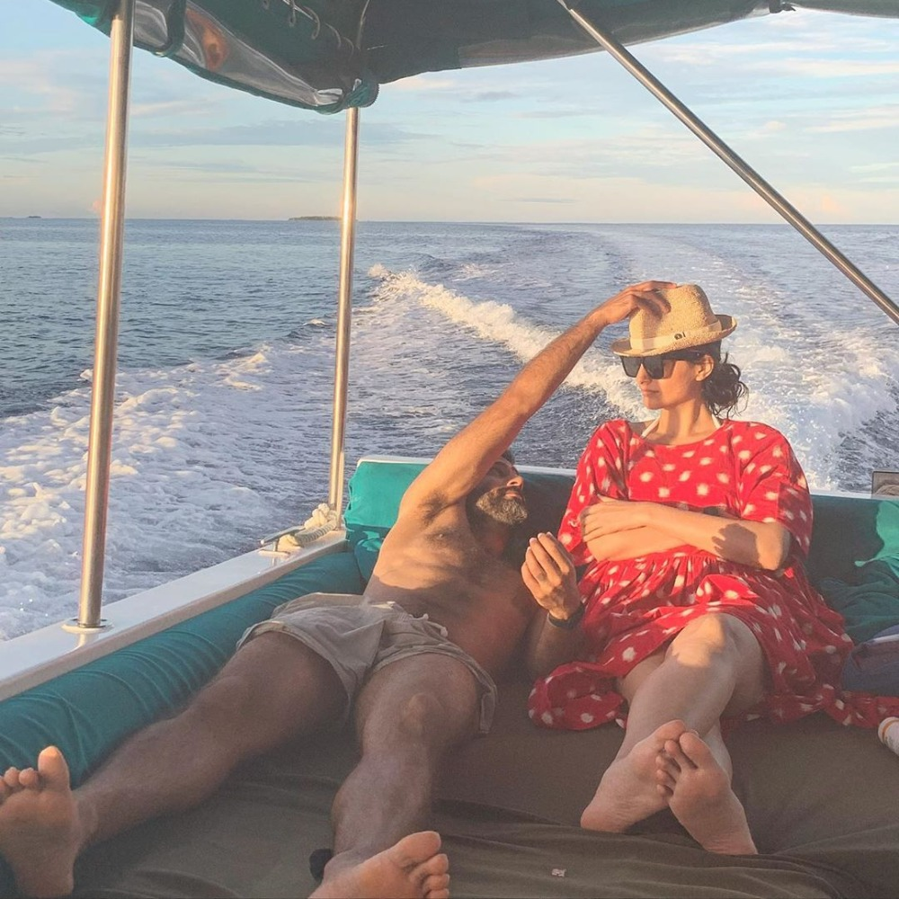 PHOTO: Sonam Kapoor & Anand Ahuja chilling on a yacht prompts Sonam to tag her hubby as 'Hottie'; Check it out