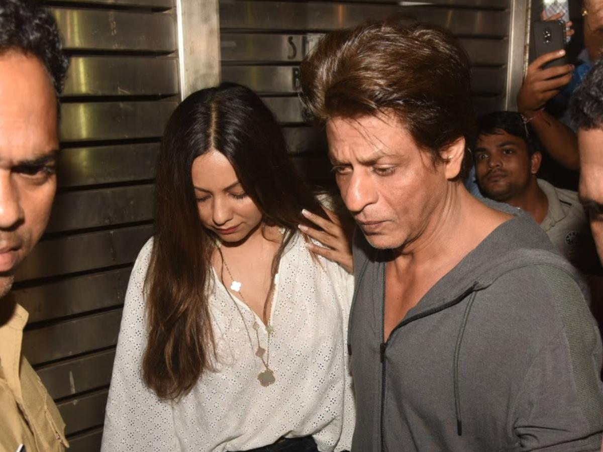 Shah Rukh Khan & Gauri Khan to reach NCB office after son Aryan Khan gets  detained in drugs case | PINKVILLA