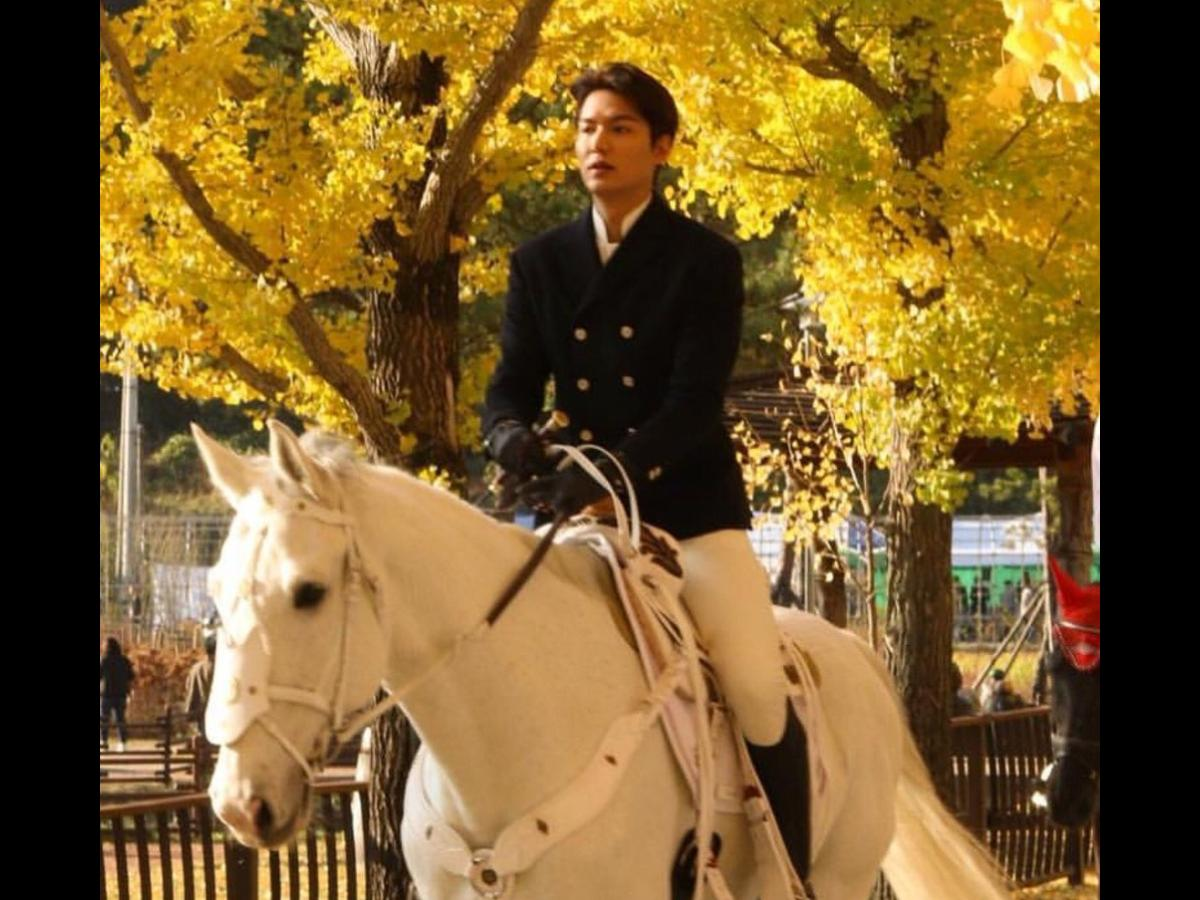 The King Eternal Monarch Lee Min Ho Talks About Acting With His White Horse Maximus Says He Is Really Cute Pinkvilla