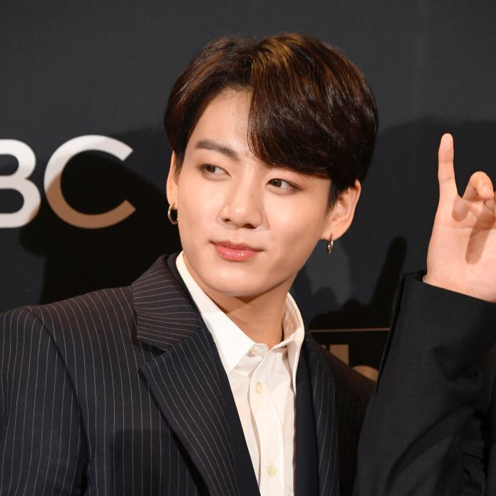 Bts Jungkook Becomes Youngest Asian To Bag 2 Top Spots On Billboard Hot100 With Dynamite Savage Love Remix Pinkvilla