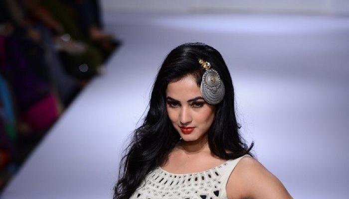 Event,sonal chauhan,Lakme Fashion Week Winter/Festive 2014,purvi dosh