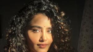 Anupama Parameswaran looks mesmerising in these sun kissed photos that will leave you awestruck