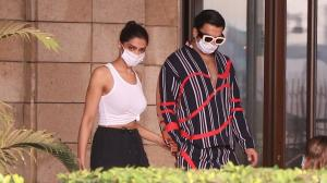 Ranveer Singh sees off Deepika Padukone as she leaves for shoot; WATCH video