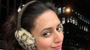 Divyanka Tripathi Dahiya is a selfie queen and THESE photos show her love for it
