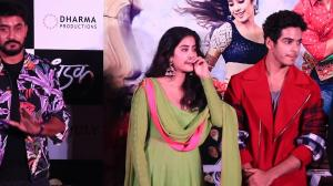 Janhvi Kapoor gets emotional at the trailer launch; shares advice given by mom Sri Devi
