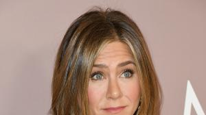 Jennifer Aniston 50, Puts Her Curves On Display As She