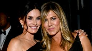 Jennifer Aniston and Courteney Cox: 6 times they set BFF g...