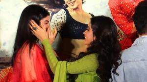Khushi bursts into tears, Janhvi Kapoor hugs sister. The two embrace sisterhood at an event.