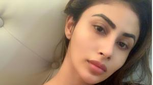 Mouni Roy looks beyond beautiful in THESE photos sans make...