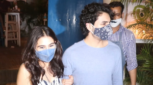 Sara Ali Khan and brother Ibrahim get mobbed by fans post-dinner at a restaurant last night