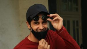 PHOTOS: Sidharth Malhotra keeps it stylish & smiles for the cameras as he is spotted outside a dubbing studio