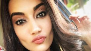 Surbhi Jyoti shows her fans how to stun and pout for a perfect snap; Take a look