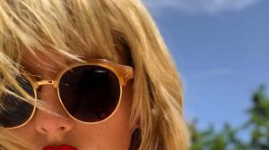 Lover singer Taylor Swift's THESE selfies will leave you m...