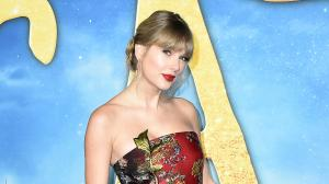 PHOTOS: 7 Times Taylor Swift sported strapless outfits and left fans in awe of her stunning looks