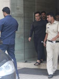 Aamir Khan is all smiles as he gets papped outside a dubbing studio