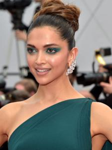 Deepika Padukone, Tara Sutaria to Gigi Hadid: Check out celebrities who donned the green eye beauty look