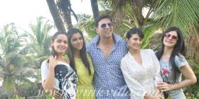Housefull 2 success party hosted by Akshay Kumar at his residence