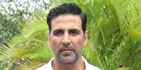 Ram Setu cast Nushrratt Bharuccha & Jacqueline 'check up' on Akshay Kumar after he tested COVID positive