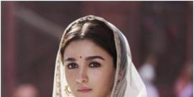 Alia Bhatt's Kalank or Shaandaar; Which film of the star DISAPPOINTED you the most? COMMENT