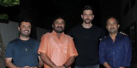 Super 30 star Hrithik Roshan reunites with mathematician Anand Kumar, Vikas Bahl for a get together; See pics