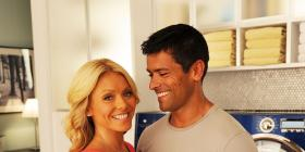Kelly Ripa & Mark Consuelos give insight into making 25 year marriage work; Say they are 'old fashioned'