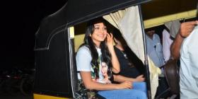 PHOTOS: Kabir Singh actor Kiara Advani ditches her car and takes an auto ride with friends; Internet loves it