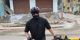 Thala Ajith ditches his bike & car as he goes on a bicycle road trip; Photos of the actor on streets go viral