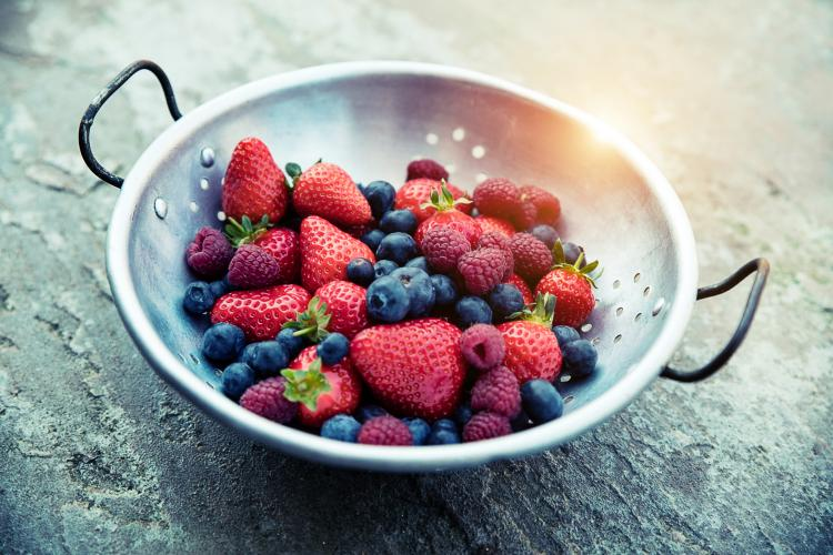 3 Berries you can snack on and apply on your face for flawless skin