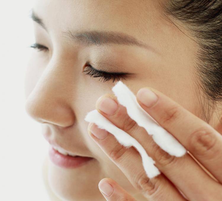 3 DIY toners that help get rid of puffy skin INSTANTLY