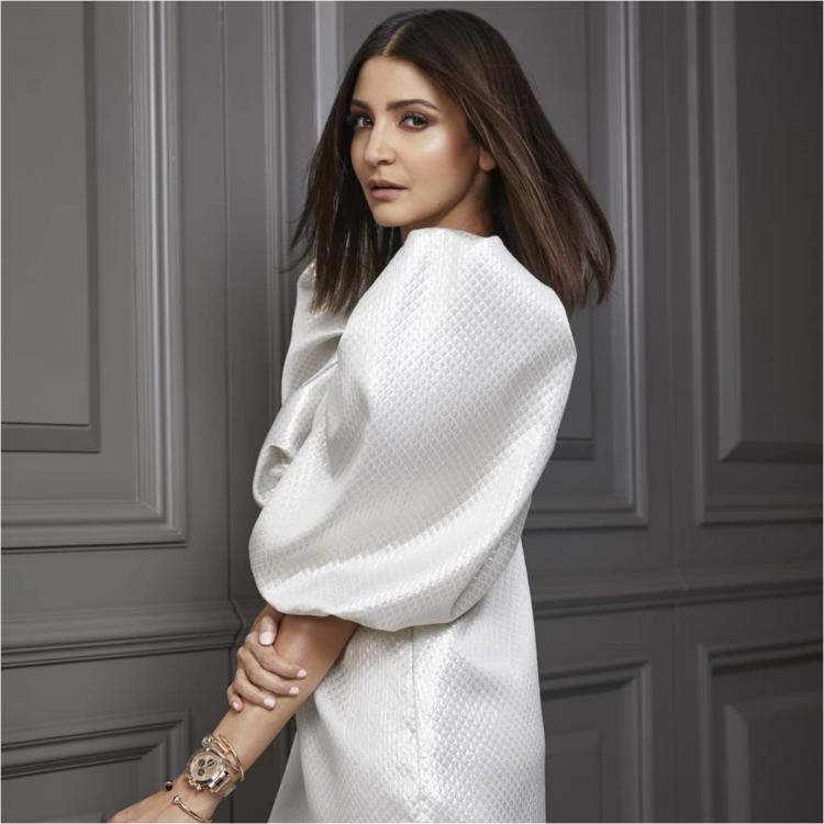 3 Times Anushka Sharma bowled us over with her all white ensembles
