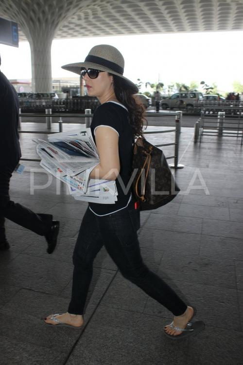 http://www.pinkvilla.com/files/styles/contentpreview/public/Airport2_4.jpg?itok=y50oRzaV