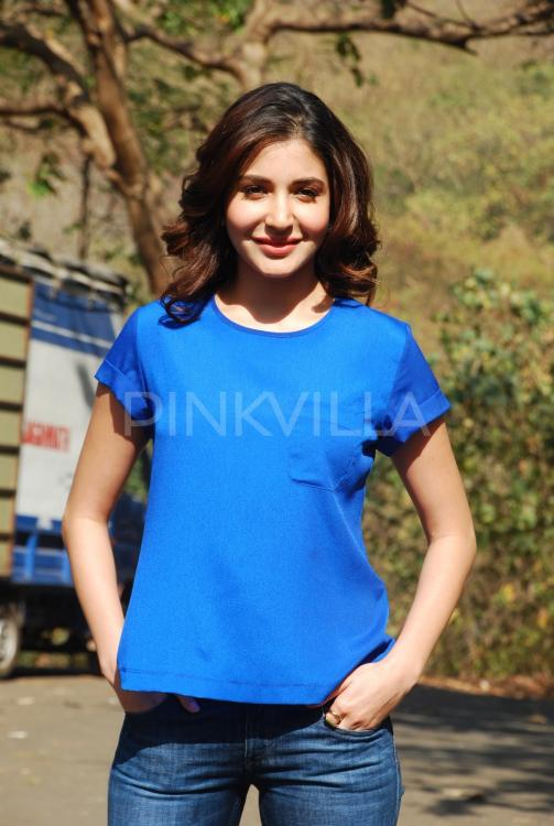 Is Anushka sporting blue to support her 'man in blue ...
