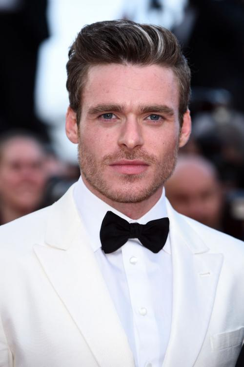 Game of Thrones: Richard Madden aka Robb Stark says GOT cast deserves a medal, FIND OUT WHY