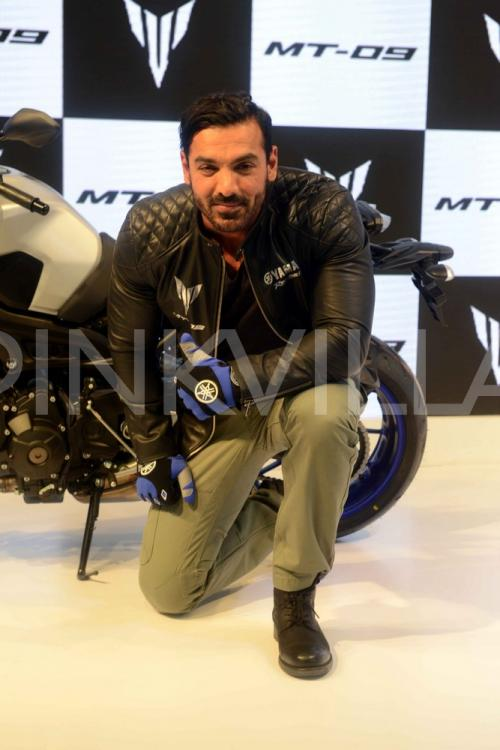 http://www.pinkvilla.com/files/styles/contentpreview/public/John%20Abraham%20in%20Yamaha%20%2814%29.jpg?itok=t6ydqqi5