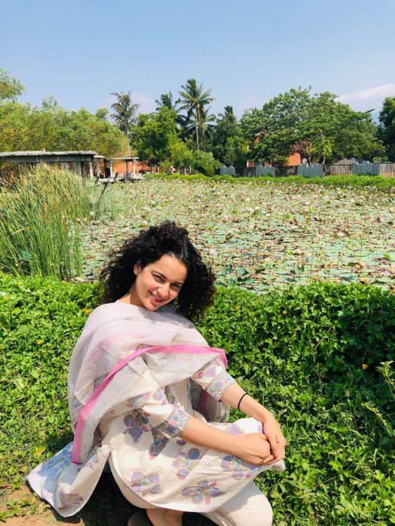 Sun kissed Kangana Ranaut resorts to a simple and peaceful Sunday by a lotus pond; SEE PIC