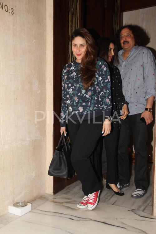 9aa09d9f546df Snapped  Kareena Kapoor Khan and Sophie Choudry spotted at Manish  Malhotra s house!