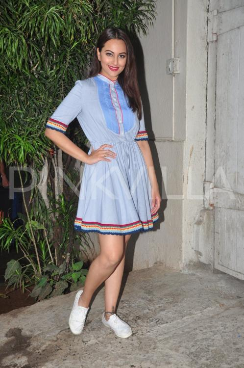 http://www.pinkvilla.com/files/styles/contentpreview/public/Sonakshi-Sinha-Akira-promotions%20%281%29.jpg?itok=_bfHIHdt