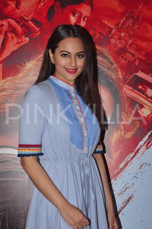 http://www.pinkvilla.com/files/styles/contentpreview/public/Sonakshi-Sinha-Akira-promotions%20%2814%29.jpg?itok=2y3tfzuV
