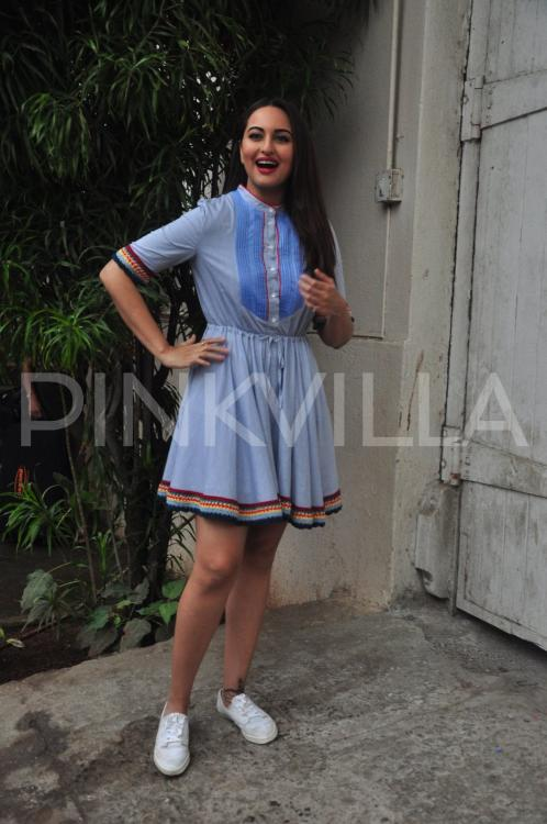 http://www.pinkvilla.com/files/styles/contentpreview/public/Sonakshi-Sinha-Akira-promotions%20%282%29.jpg?itok=ARAns5eE