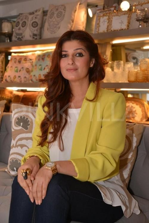 Did Twinkle Khanna take a potshot at Kapil Sharma and Sunil Grover's controversy? | PINKVILLA