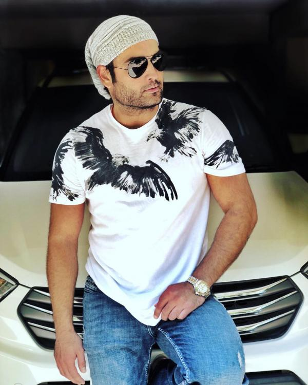EXCLUSIVE: TV heartthrob Vivian Dsena on completing 10 years in TV, his biggest achievement and personal life
