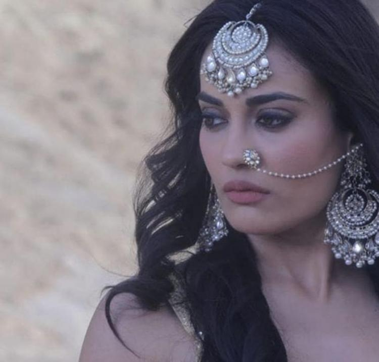 Naagin April 13, 2019 Written Update: Bela convinces Hukum and Vishakha's child Tamsi to play holi